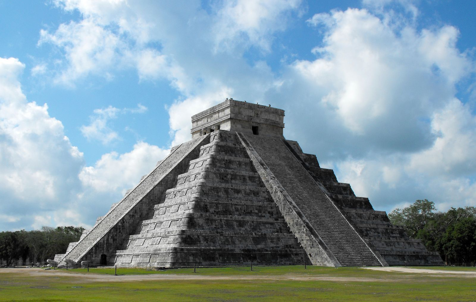 Chichén Itzá Quintana Roo Mexico Mayan Ruins Photographs by Bill Bell