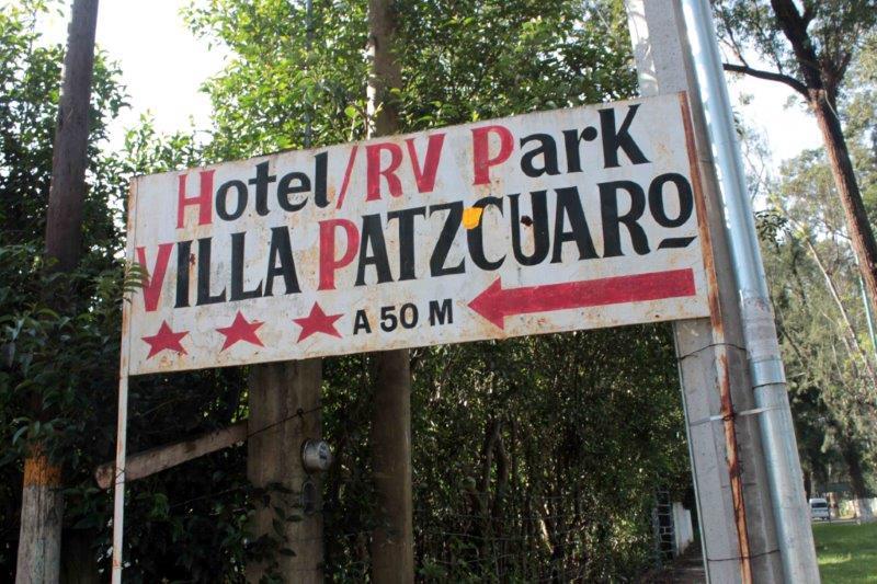 VillaPatzcuarosign